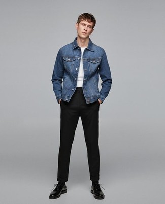 Black Leather Derby Shoes Outfits: Who said you can't make a style statement with a casual outfit? You can do that easily in a blue denim jacket and black chinos. If you need to effortlessly kick up this look with one item, why not complement this look with a pair of black leather derby shoes?