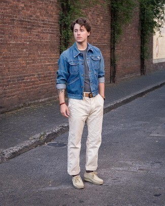 Beige Suede Desert Boots Outfits: Look on-trend yet functional by wearing a blue denim jacket and white chinos. Introduce beige suede desert boots to the equation and ta-da: the ensemble is complete.