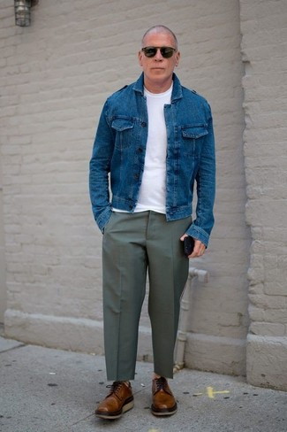 How to wear: blue denim jacket, white crew-neck t-shirt, olive dress pants, brown leather derby shoes