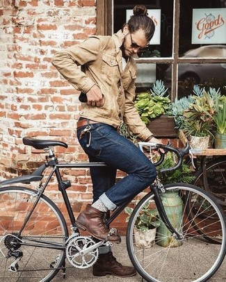 How to wear: tan denim jacket, white crew-neck t-shirt, navy jeans, brown leather casual boots