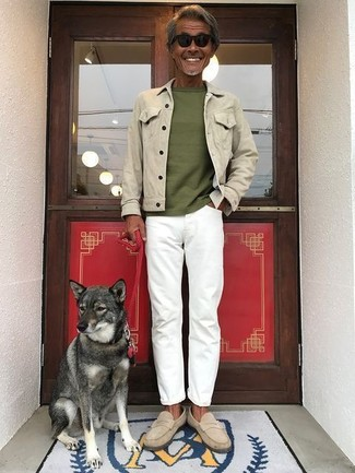 A beige denim jacket and white jeans are both versatile essentials that will give your outfits a subtle modification. Beige suede loafers will instantly spruce up even the laziest of looks. This outfit is the definition of perfect for warm weather afternoons.