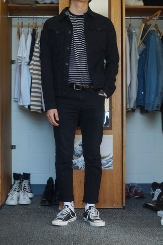 Men's Looks & Outfits: What To Wear In 2020: Consider pairing a black denim jacket with black jeans for both sharp and easy-to-achieve look. If not sure about what to wear when it comes to footwear, add black and white canvas low top sneakers to the equation.