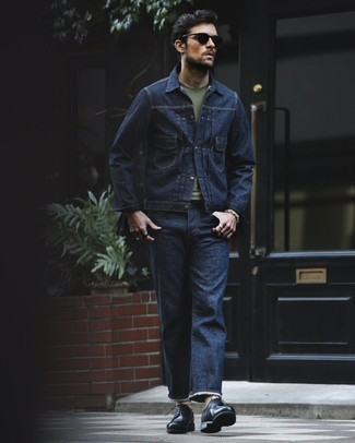 How to Wear Black Leather Derby Shoes: Marrying a navy denim jacket with navy jeans is a great choice for a laid-back ensemble. Make this ensemble a bit dressier by finishing off with black leather derby shoes.