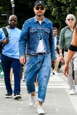 How to Wear Jeans For Men: A blue denim jacket looks so good when worn with jeans in a laid-back ensemble. When it comes to shoes, this look pairs wonderfully with white canvas low top sneakers.