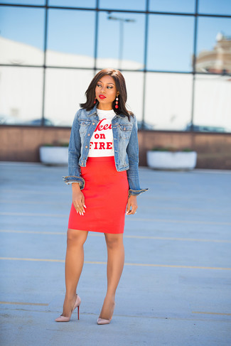 How to wear: blue denim jacket, white and red print crew-neck t-shirt, red pencil skirt, beige leather pumps