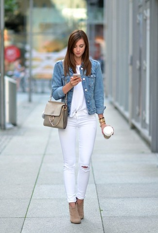 How to wear: light blue denim jacket, white crew-neck t-shirt, white ripped skinny jeans, tan suede ankle boots