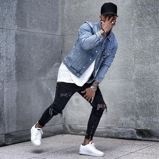 How to wear: light blue denim jacket, white crew-neck t-shirt, black ripped skinny jeans, white leather low top sneakers