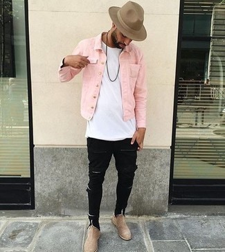 Black Jeans Spring Outfits For Men: You'll be surprised at how easy it is for any man to get dressed like this. Just a pink denim jacket worn with black jeans. Hesitant about how to finish off your getup? Wear beige suede chelsea boots to boost the wow factor. It goes without saying that this one makes for a good, season-appropriate combination.