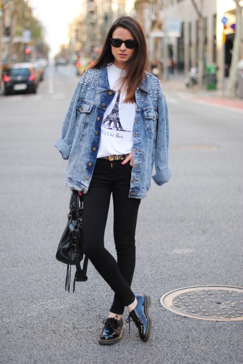 Comment porter une veste en jean claire