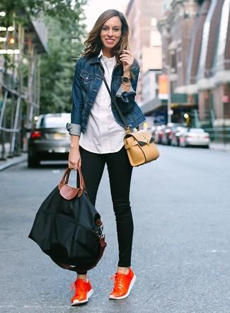 How to wear: blue denim jacket, white dress shirt, black skinny jeans, orange leather low top sneakers