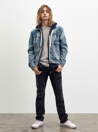 How to wear: light blue denim jacket, navy hoodie, grey crew-neck t-shirt, black ripped jeans
