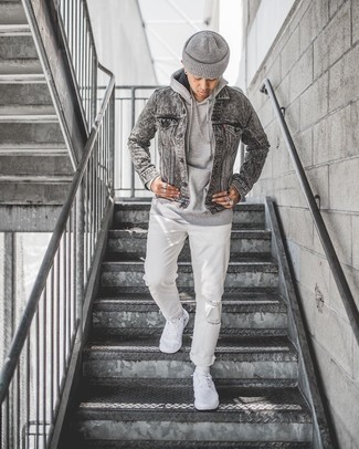 Grey Beanie Outfits For Men: When the situation permits off-duty style, pair a grey denim jacket with a grey beanie. If you wish to effortlessly kick up your look with one single piece, complement your ensemble with white canvas low top sneakers.