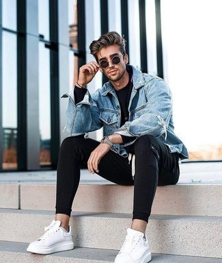 Long Sleeve T-Shirt Outfits For Men: You'll be amazed at how super easy it is for any guy to pull together a bold casual outfit like this. Just a long sleeve t-shirt and black cargo pants. A pair of white leather low top sneakers will be the perfect addition to your outfit.