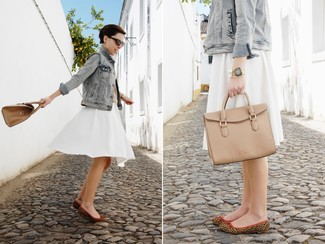 How to wear: grey denim jacket, white pleated midi skirt, brown leopard suede ballerina shoes, tan leather satchel bag