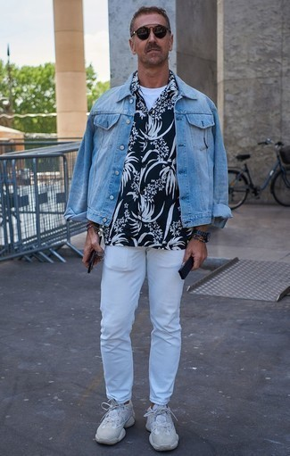 Navy and White Floral Shirt Outfits For Men: Reach for a navy and white floral shirt and white jeans to put together a seriously dapper and modern-looking casual outfit. Breathe an extra dose of elegance into this ensemble by rocking a pair of white athletic shoes.