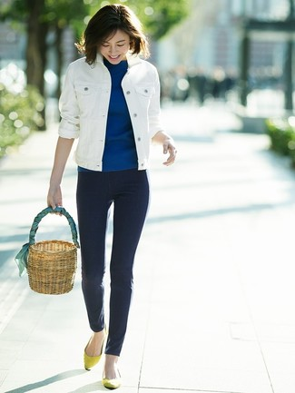 How to wear: white denim jacket, blue short sleeve sweater, navy skinny jeans, yellow suede ballerina shoes