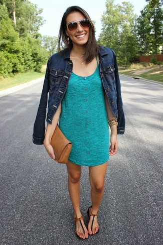 a8f95f55ef08 How To Wear Black Thong Sandals With a Navy Denim Jacket (3 looks ...