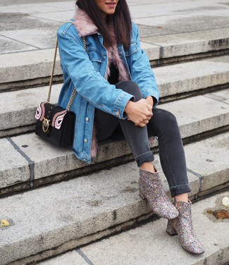 Silver Boots Outfits For Women: This off-duty combination of a light blue denim jacket and charcoal skinny jeans is perfect when you need to look good in a flash. For a trendy hi/low mix, slip into a pair of silver boots.