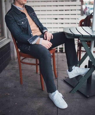 Rock a Tasso Elba Non Iron Pinpoint Grey Solid Dress Shirt with black jeans to create a great weekend-ready look. White low top sneakers complement this ensemble quite well. This outfit is perfect for weird transition weather.