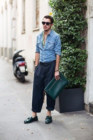 How to Wear a Bandana For Men: A light blue denim shirt and a bandana are a smart getup that will carry you throughout the day. And if you wish to instantly step up this getup with one item, why not introduce dark green leather tassel loafers to the equation?