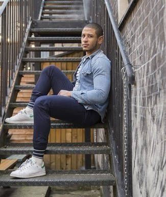 White and Navy Horizontal Striped Crew-neck T-shirt Outfits For Men: For a casual look with a modern take, you can easily opt for a white and navy horizontal striped crew-neck t-shirt and navy chinos. White and green leather low top sneakers are a wonderful pick to complete this outfit.