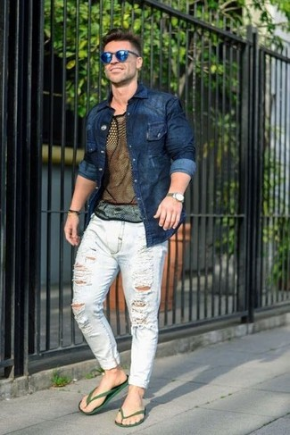 How to wear: navy denim shirt, black mesh crew-neck t-shirt, white ripped jeans, dark green rubber sandals