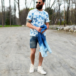 How to wear: blue denim shirt, blue acid crew-neck t-shirt, navy denim shorts, white canvas high top sneakers