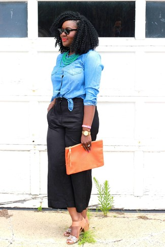 Black Culottes Outfits: Why not rock a blue denim shirt with black culottes? As well as totally comfortable, these two pieces look nice together. Get a bit experimental with shoes and complete this outfit with tan leather heeled sandals.