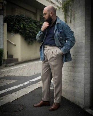 Denim Shirt Outfits For Men: When comfort is critical, wear a denim shirt with beige chinos. If you want to easily bump up this outfit with one single piece, why not complete this look with a pair of brown leather derby shoes?