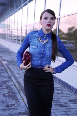 A blue denim shirt and a black midi skirt will give off this very sexy and chic vibe. An easy-to-transition ensemble like this one makes it very easy to welcome the new season.