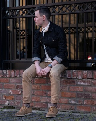 Dress Shoes Outfits For Men: A white short sleeve shirt and khaki jeans worn together are a sartorial dream for gentlemen who appreciate laid-back and cool styles. If you need to easily step up your outfit with shoes, why not introduce a pair of dress shoes to this getup?