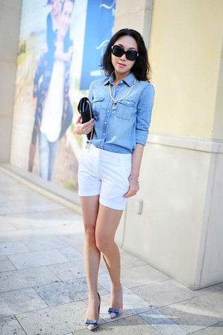 How to wear: light blue denim shirt, white shorts, beige leather pumps, black leather clutch