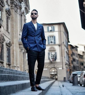Men's Looks & Outfits: What To Wear Smart Casually: When it comes to casual refinement, this combination of a blue double breasted blazer and navy chinos is the ultimate look. A pair of black leather loafers effortlessly boosts the wow factor of any look.