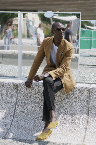 Tan Double Breasted Blazer Outfits For Men: Pair a tan double breasted blazer with black dress pants - this look will surely make an entrance. If you need to easily dress down your ensemble with footwear, why not complement your getup with a pair of yellow canvas loafers?