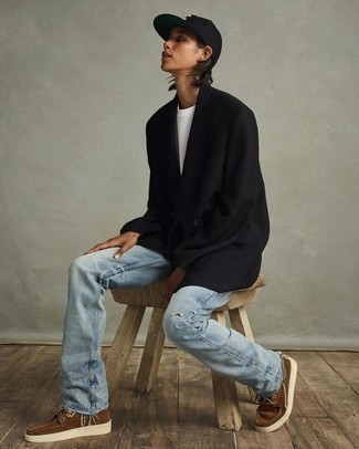 Light Blue Ripped Jeans Outfits For Men: A black double breasted blazer and light blue ripped jeans? This is an easy-to-achieve getup that anyone can wear on a daily basis. Brown suede boat shoes make this outfit complete.