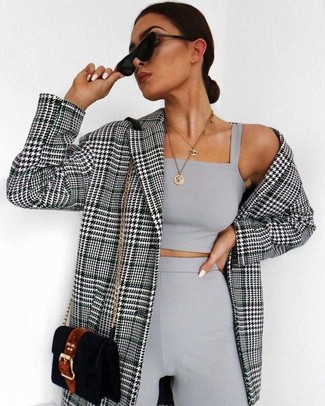 A black and white houndstooth double breasted blazer and a J.Crew women's Round Locket Pendant will showcase your sartorial self. A knockout combo like this one is just what you need on a hot day.