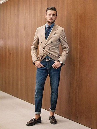 How to wear: tan double breasted blazer, blue denim shirt, navy jeans, dark brown leather tassel loafers