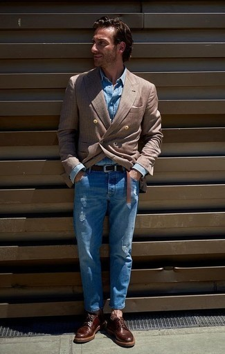 Blue Jeans with Denim Shirt Outfits For Men After 40: A denim shirt and blue jeans make for the ultimate laid-back style for any gent. A nice pair of burgundy leather derby shoes is the most effective way to transform this ensemble. A great, less conservative getup for men in their forties.