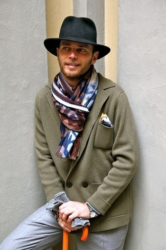 How to wear: olive wool double breasted blazer, grey dress pants, black hat, white pocket square