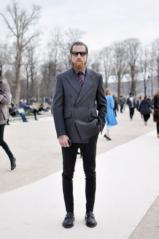 How to Wear Grey Socks For Men: A charcoal double breasted blazer and grey socks are the kind of a foolproof off-duty combination that you so desperately need when you have no extra time to assemble an outfit. And if you wish to immediately ramp up your look with a pair of shoes, introduce a pair of black leather double monks to your look.