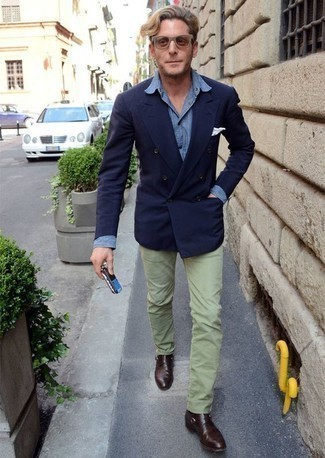 How to Wear Mint Pants For Men: You'll be surprised at how super easy it is for any gentleman to pull together this semi-casual outfit. Just a navy double breasted blazer and mint pants. Complete your look with dark brown leather monks to jazz things up.