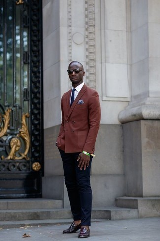 How to Wear a Light Blue Print Pocket Square: A brown double breasted blazer and a light blue print pocket square are absolute menswear essentials if you're planning a casual wardrobe that holds to the highest fashion standards. Complete this look with a pair of dark purple leather loafers to avoid looking too casual.