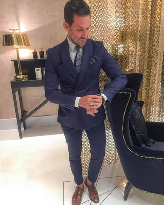 Pair a navy double breasted blazer with Canali men's Five Pocket Wool Trousers for a classic and refined silhouette. A pair of brown leather oxford shoes fits right in here. This look is ideal when it's hot outside.
