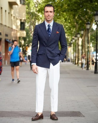 Navy and White Print Tie Outfits For Men: For a look that's sharp and gasp-worthy, opt for a navy double breasted blazer and a navy and white print tie. Complement this ensemble with a pair of brown leather loafers to have some fun with things.