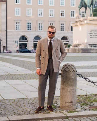 Men's Outfits 2021: Wear a tan plaid double breasted blazer with charcoal dress pants to look like a stylish gent. For something more on the casually edgy side to complete this outfit, add a pair of dark brown suede loafers to the mix.
