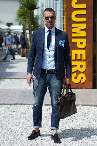 How to wear: navy cotton double breasted blazer, white dress shirt, navy jeans, black leather loafers