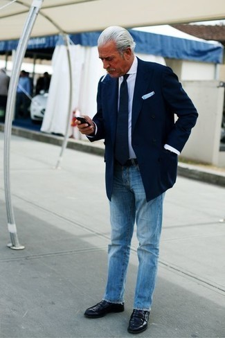 How to Wear Black Socks After 60 For Men: This combo of a navy double breasted blazer and black socks looks amazing and makes you look infinitely cooler. Bump up this whole ensemble by sporting a pair of navy leather loafers.