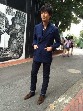 How to Wear Brown Suede Tassel Loafers: You'll be amazed at how super easy it is for any guy to get dressed this way. Just a navy double breasted blazer and navy jeans. Kick up your ensemble by rocking brown suede tassel loafers.