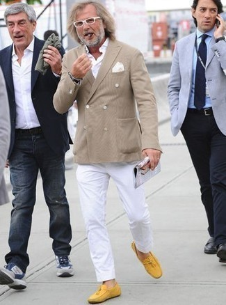 How to Wear a White Long Sleeve Shirt For Men: If you're on the hunt for a relaxed casual but also sharp ensemble, try pairing a white long sleeve shirt with white chinos. Add a pair of yellow leather driving shoes to the equation and the whole outfit will come together brilliantly.