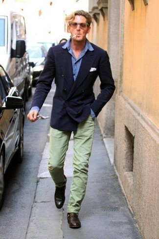 How to Wear Mint Pants For Men: A navy double breasted blazer and mint pants make for the perfect base for an infinite number of effortlessly smart ensembles. For extra fashion points, introduce a pair of dark brown leather loafers to the equation.